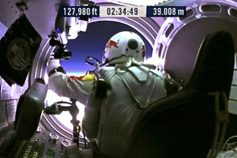 Felix leaves the capsule