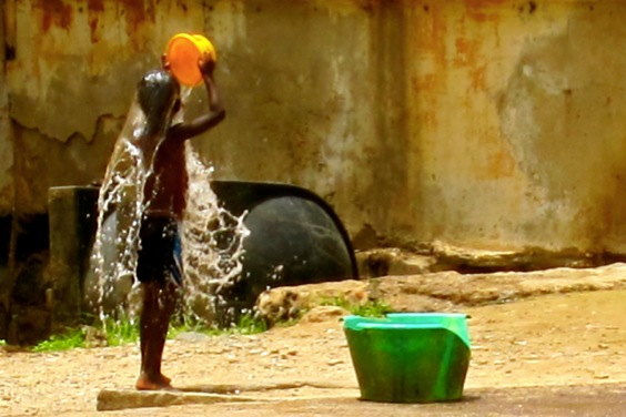 goree-boy-washing