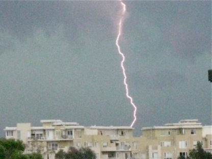 lightning-in-port-melburne